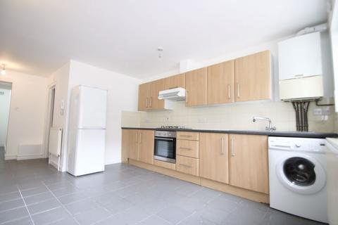 Studio to rent - Clarence Road, London, E5