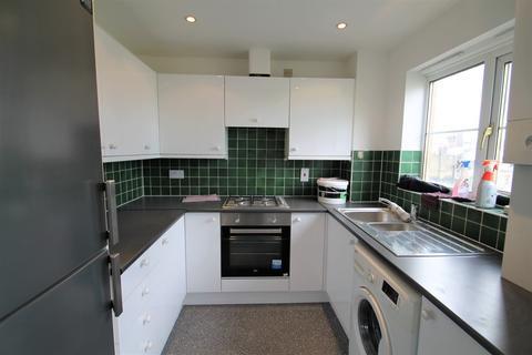 2 bedroom apartment to rent - Alice Close, New Barnet