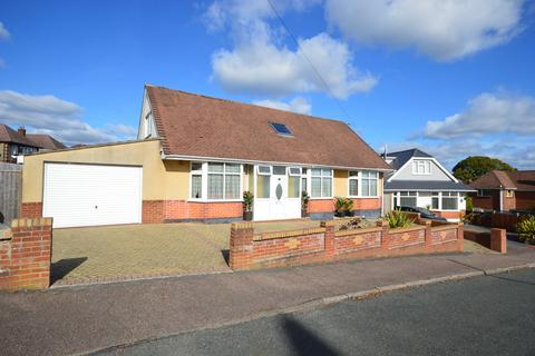 4 bedroom chalet for sale - Priory View Road, Bournemouth