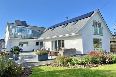 5 bedroom detached house for sale - St Kew Highway