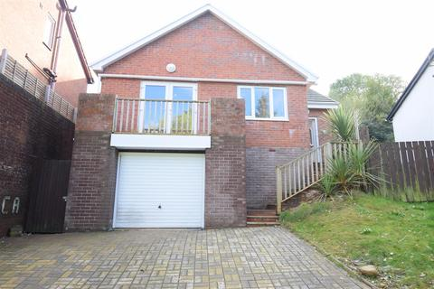 3 bedroom detached bungalow for sale - Coed Y Pica, Abertridwr, Caerphilly