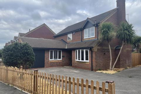 4 bedroom detached house for sale - James Grieve Road, Abbeymead, Gloucester