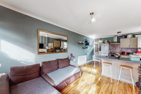 2 bedroom flat for sale - Bathurst Gardens, Kensal Rise, London