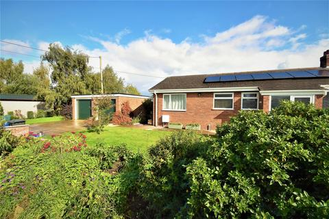 3 bedroom detached bungalow for sale - Holt, Wrexham