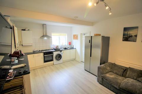 6 bedroom semi-detached house to rent - *£125pppw* Fletcher Road, Beeston, NG9 2EL - UON