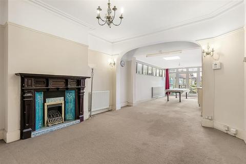 2 bedroom flat for sale - Becmead Avenue, SW16