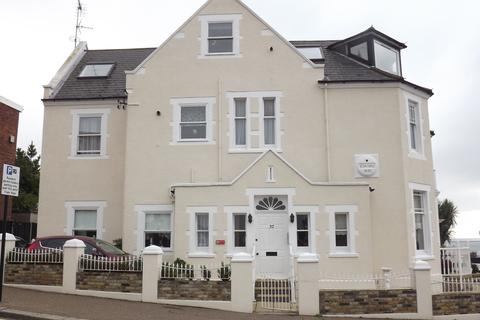 2 bedroom flat to rent - Westcliff Parade, Westcliff-on-Sea SS0