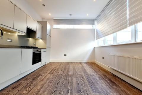 Studio to rent - Hemini Court, Stirling Way, WD6