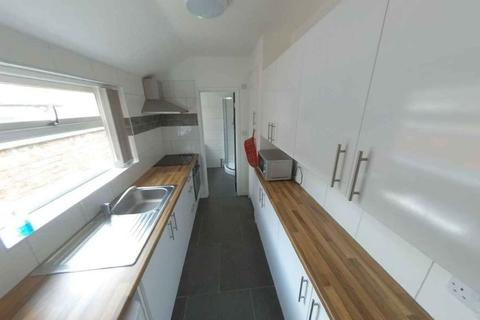 1 bedroom in a house share to rent - 16 Gordon st -rm 2 Brand New house Available sept 2021£120pppw