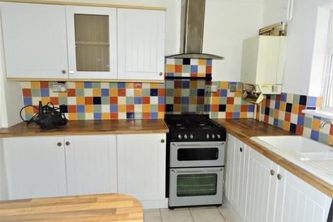 3 bedroom terraced house to rent - Benbow Waye, UB8