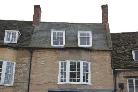 2 bedroom apartment to rent - Flat 1 Market Place, Oundle, Peterborough, Cambridgeshire, PE8