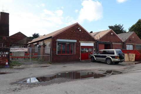 Office to rent - Fountain Street, Morley, West Yorkshire, LS27