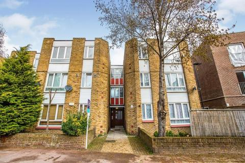 2 bedroom flat to rent - King Street, E13