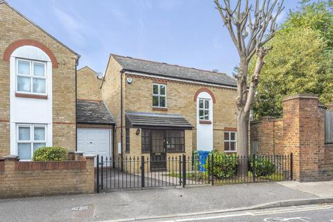 3 bedroom detached house for sale - Chaucer Drive, Bermondsey