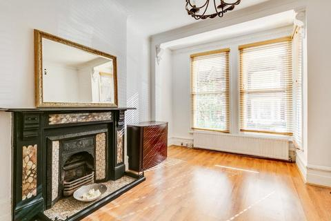 2 bedroom flat for sale - Parolles Road, Whitehall Park, London, N19
