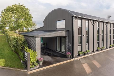 4 bedroom barn conversion for sale - High Bridge, Dalston CA5