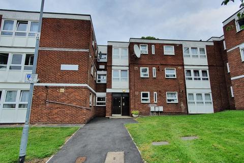 2 bedroom flat to rent - Thornhill Gardens, Barking IG11