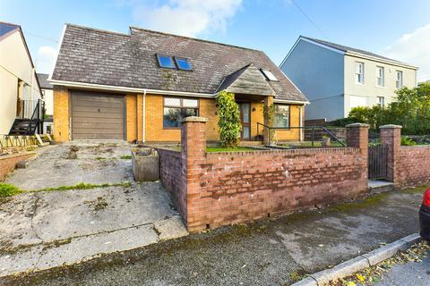 3 bedroom bungalow for sale - Greenland Road, Brynmawr, Gwent, NP23
