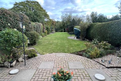 4 bedroom semi-detached house for sale - Ashwood Way, Gloucester, GL3