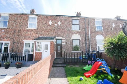 2 bedroom terraced house for sale - Oswald Street, South Shields