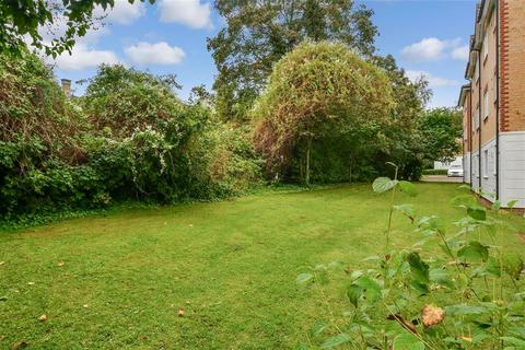 2 bedroom flat for sale - Chipstead Close, Sutton, Surrey