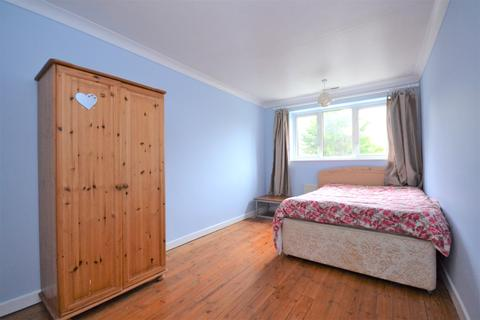 1 bedroom in a house share to rent - Bromley Common Bromley BR2