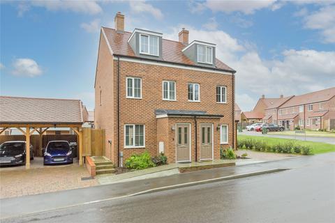 3 bedroom semi-detached house for sale - Hop Garden Crescent, Newington, Sittingbourne, ME9