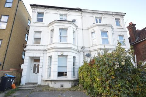 2 bedroom ground floor flat to rent - Green Lanes, London
