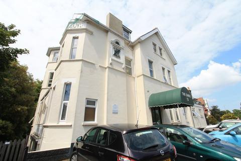 Studio to rent - Boscombe Spa Road, Bournemouth,