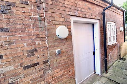 1 bedroom flat to rent - Brookside, East Leake, Loughborough