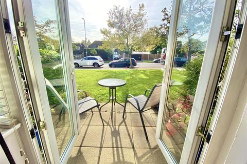 2 bedroom apartment for sale - Hutton Road, Shenfield, Brentwood