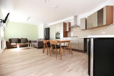 5 bedroom apartment to rent - St James Street, City Centre, NE1
