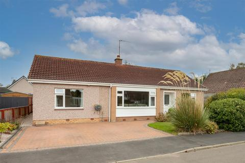 3 bedroom detached bungalow for sale - Mapledene Road, Scone, Perth