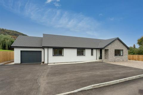 4 bedroom detached bungalow for sale - Roselea, Perth Road, Abernethy