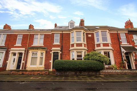 5 bedroom terraced house for sale - Kitchener Terrace, North Shields