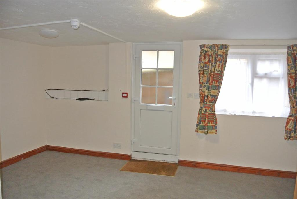 Living room b.JPG