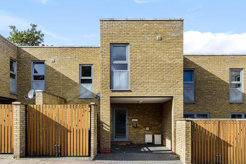 3 bedroom terraced house to rent - De Morgan Terrace Bloomfield Road London SE18