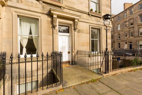 4 bedroom flat for sale - St. Bernards Crescent, Edinburgh, EH4