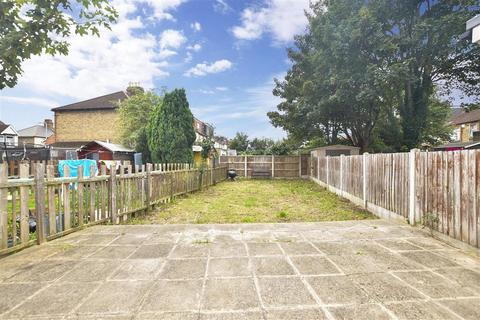 3 bedroom terraced house for sale - Meads Lane, Ilford, Essex