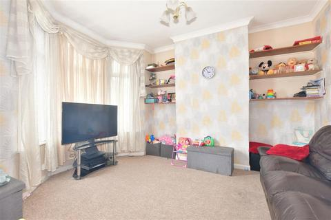 2 bedroom terraced house for sale - Hunter Road, Ilford, Essex