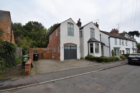 4 bedroom semi-detached house to rent - Lower Ladyes Hills, Kenilworth, Warwickshire, CV8