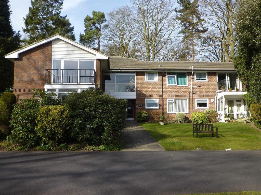 1 Bedroom Retirement Property for sale in OXSHOTT