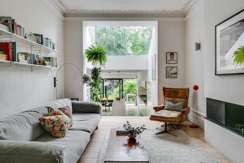 3 bedroom flat for sale - Winchester Place, Highgate Village, London, N6