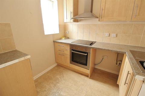 1 bedroom block of apartments to rent - Lyndbourne Court, Benfleet