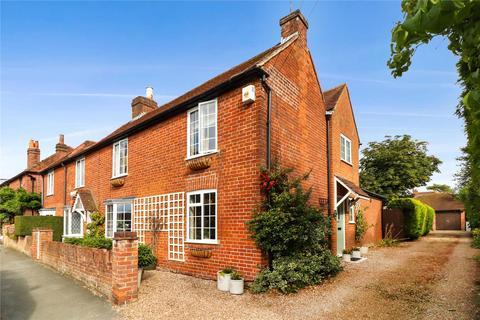 3 bedroom semi-detached house for sale - Chalfont Road, Seer Green, Buckinghamshire, HP9