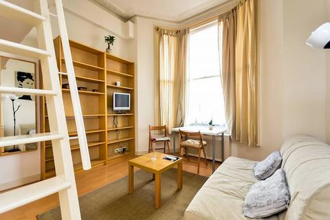 Studio to rent - Fairholme Road, West Kensington, London W14