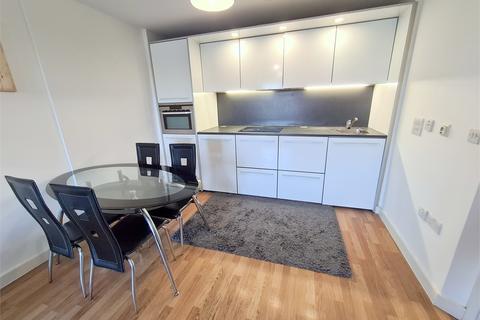 2 bedroom flat to rent - High Road, Dagenham, Romford,