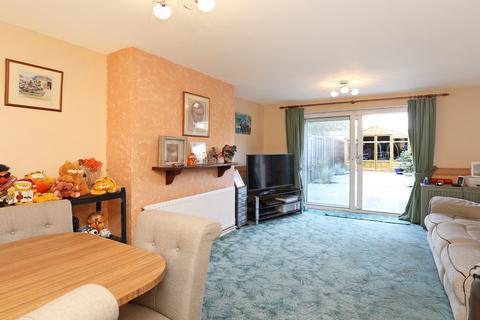 2 bedroom house for sale - Hazelmere Road, Northolt, UB5