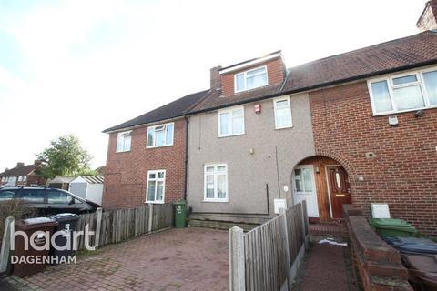 4 bedroom terraced house to rent - Homestead Road, Dagenham