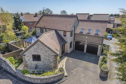 4 bedroom detached house for sale - Rockingham Court, Towton, Tadcaster, LS24 9TL